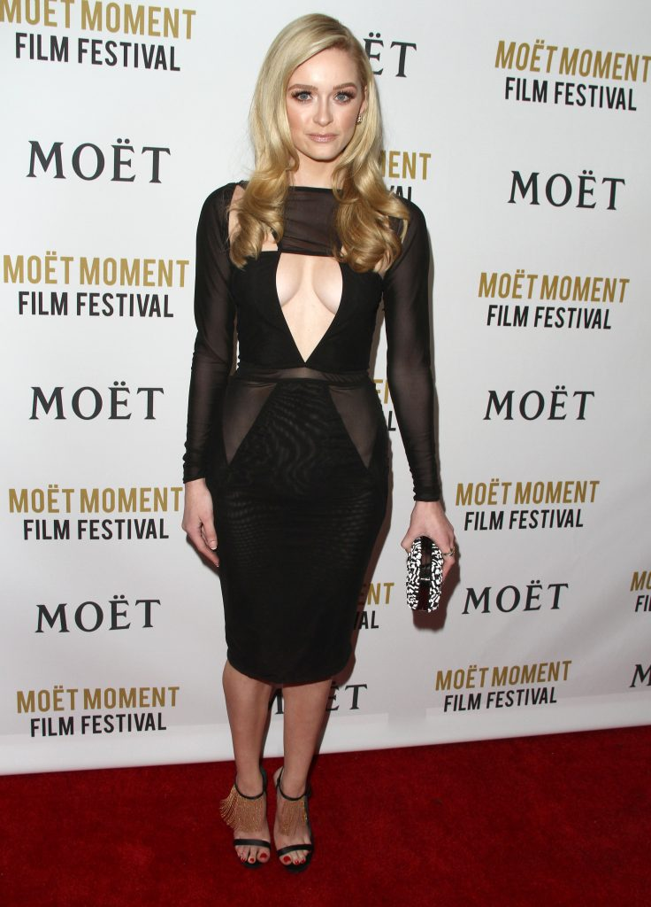 Blue-Eyed Blonde Greer Grammer Showing Her Cleavage in Public gallery, pic 3