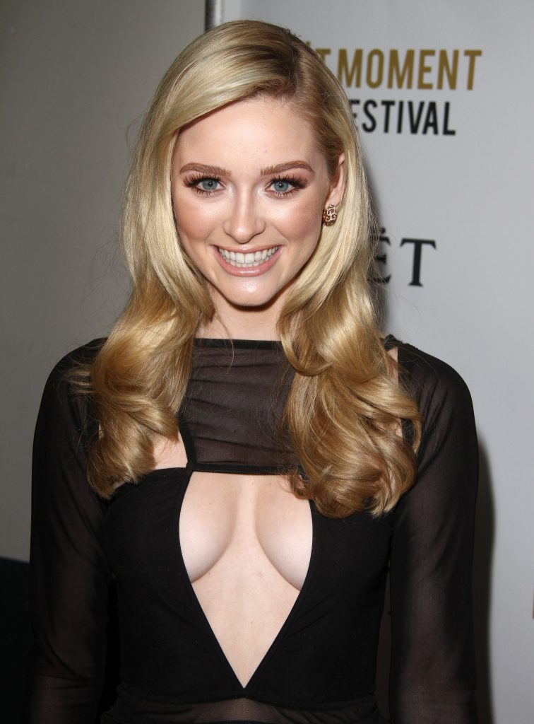 Blue-Eyed Blonde Greer Grammer Showing Her Cleavage in Public gallery, pic 5