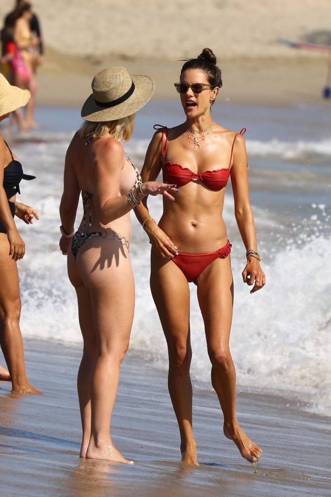Bikini-Clad Alessandra Ambrosio Looks Perfect Without Even Trying Hard gallery, pic 20