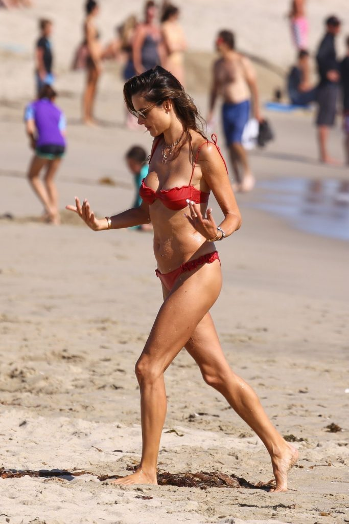 Bikini-Clad Alessandra Ambrosio Looks Perfect Without Even Trying Hard gallery, pic 52