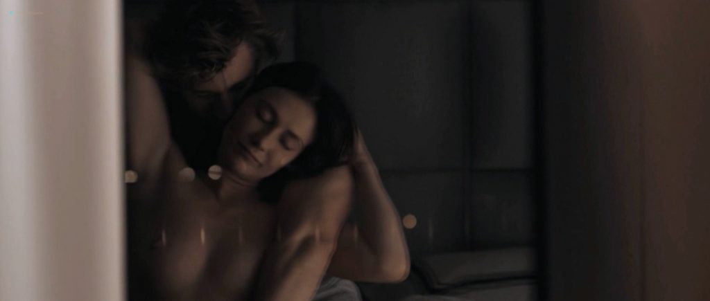 Carice van Houten's Hottest Nude Screencaps and Sex Scenes