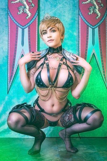 sexy Danielle Beaulieu as cersei