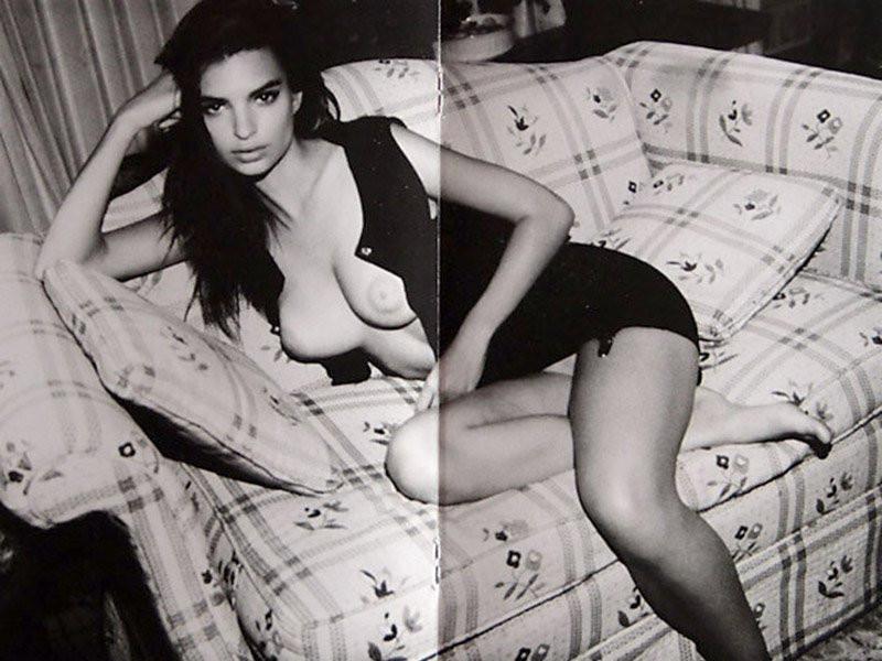 Emily Ratajkowski Naked 061 TheFappening.nu