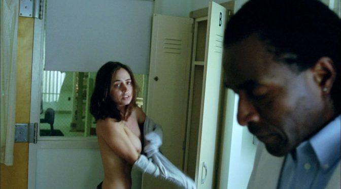 Hollywood Actress Eliza Dushku Flashes Her Boobs While Changing