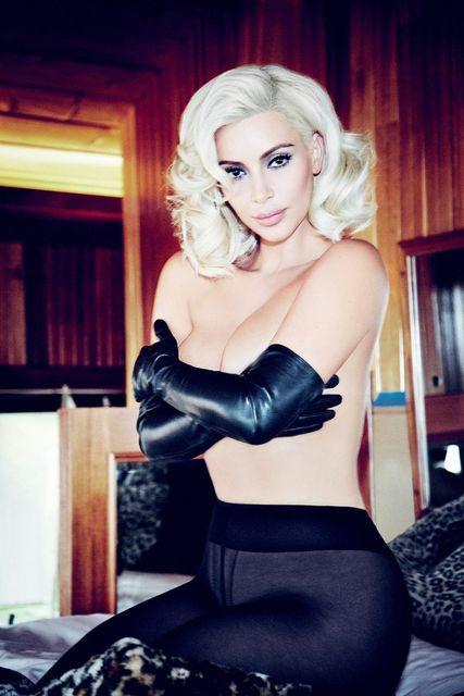 Kim Kardashian Topless 21 TheFappening.nu
