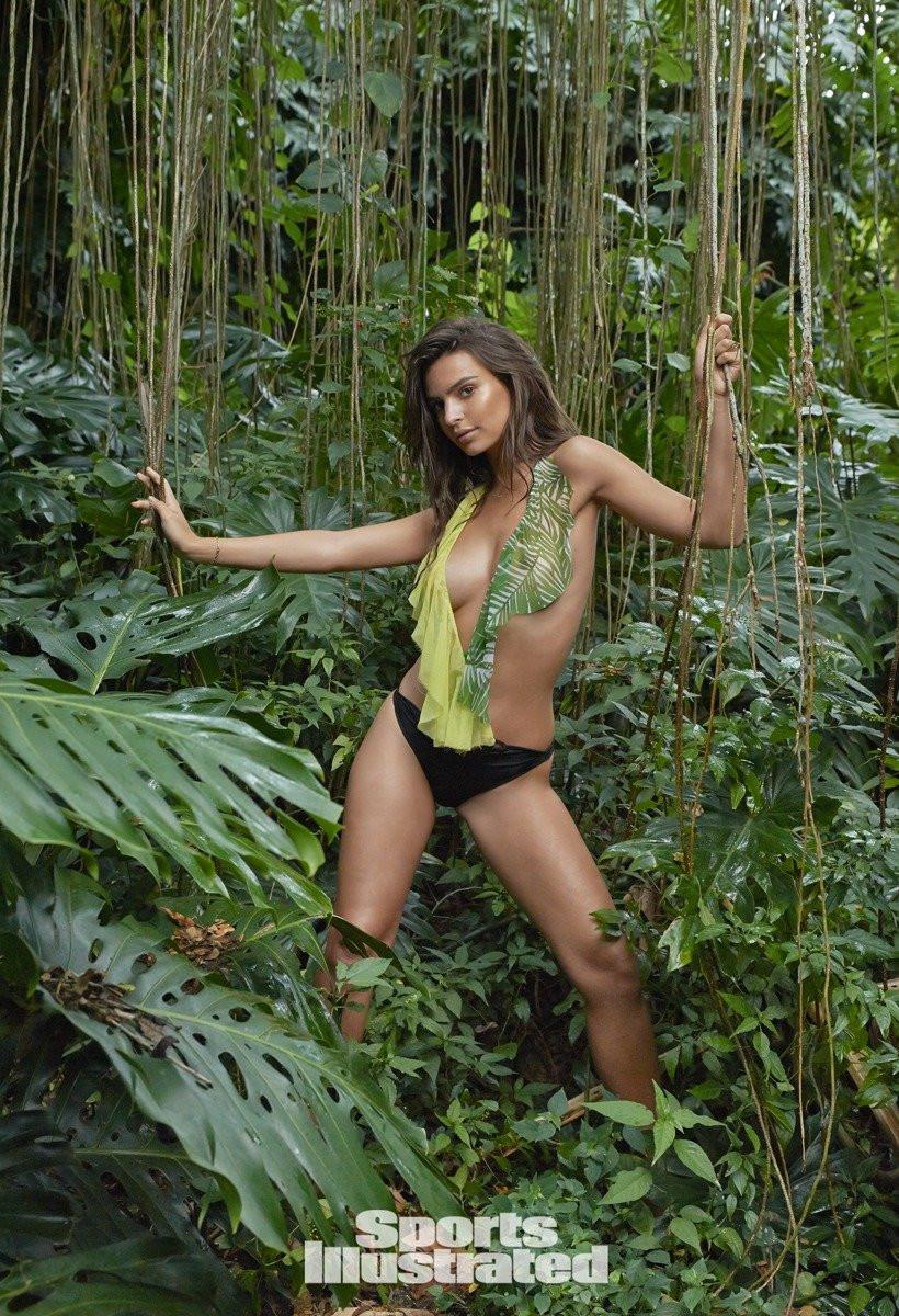 Emily Ratajkowski in Micro Bikini 10 TheFappening.nu