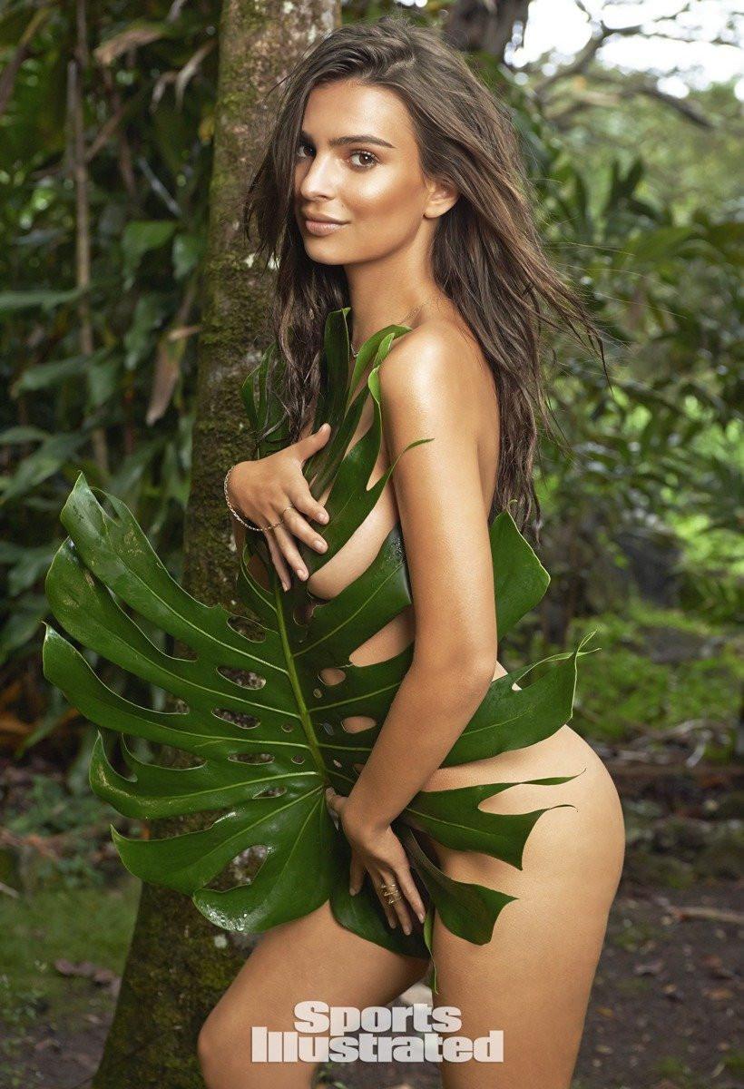 Emily Ratajkowski in Micro Bikini 12 TheFappening.nu