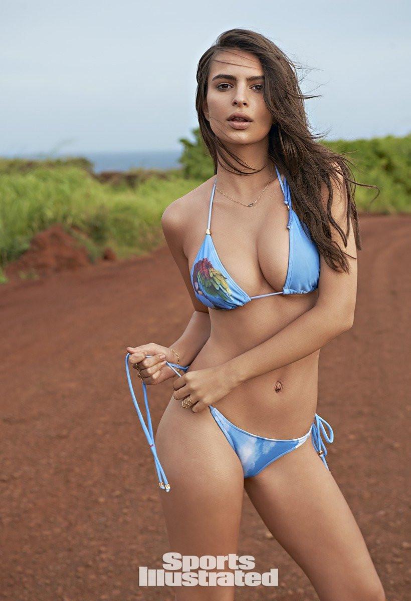 Emily Ratajkowski in Micro Bikini 13 TheFappening.nu