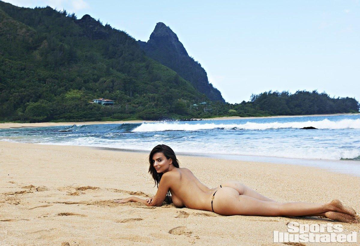 Emily Ratajkowski in Micro Bikini 20 TheFappening.nu