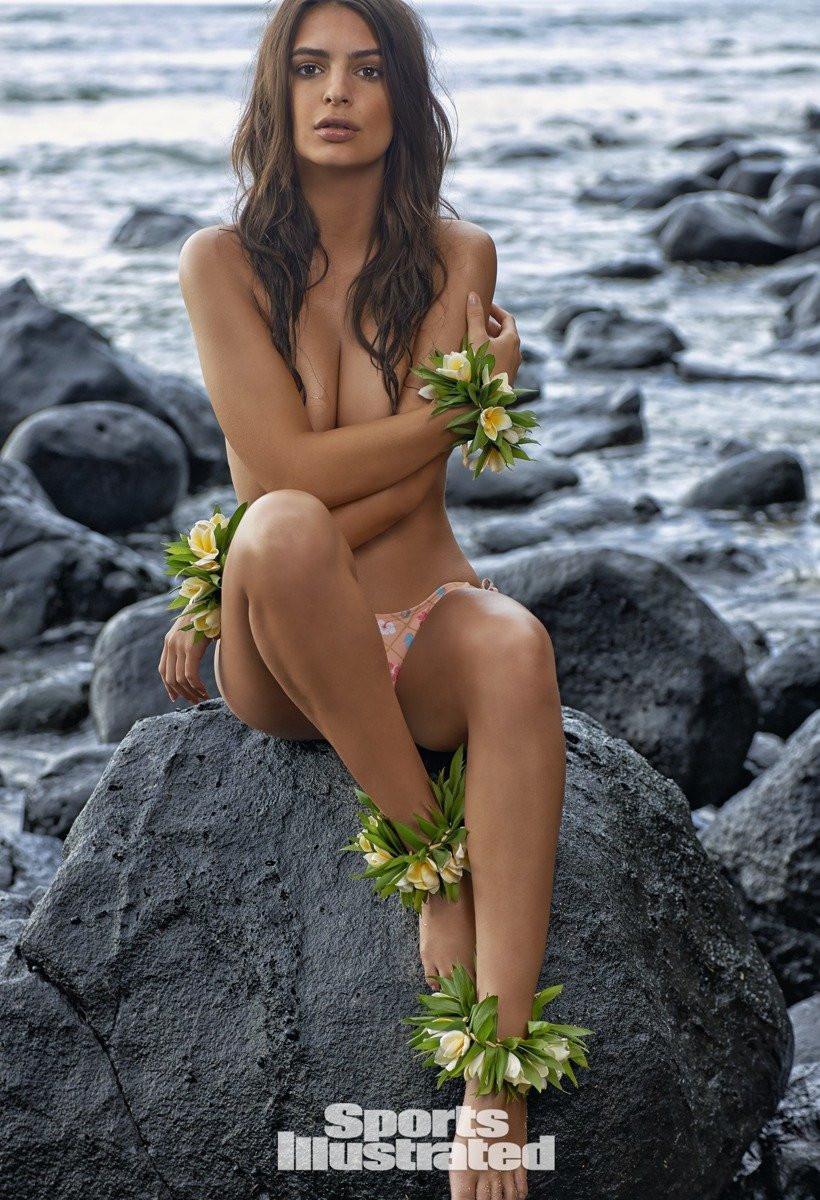 Emily Ratajkowski in Micro Bikini 23 TheFappening.nu