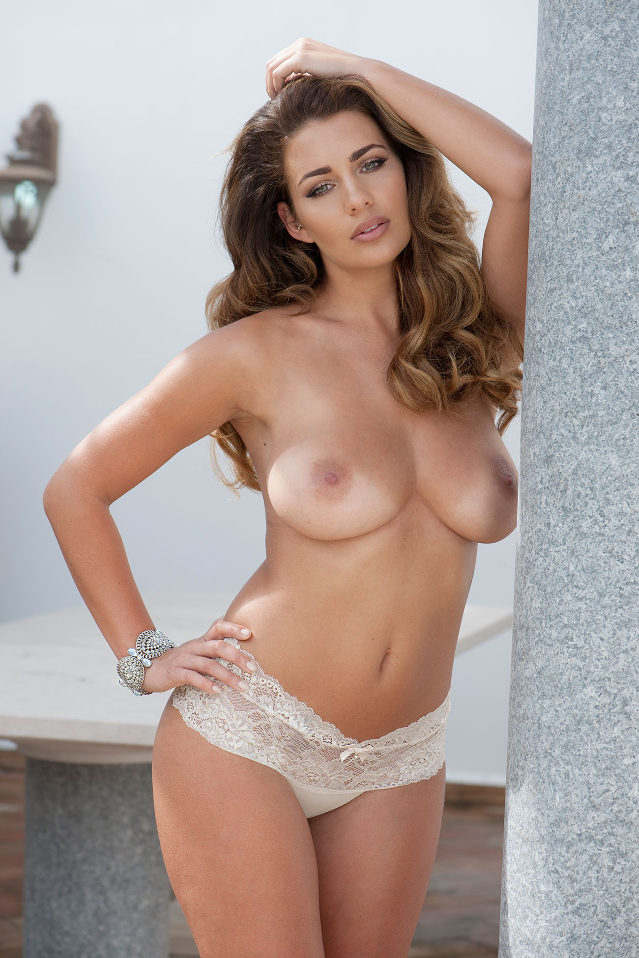 Holly Peers Topless 1 TheFappening.nu