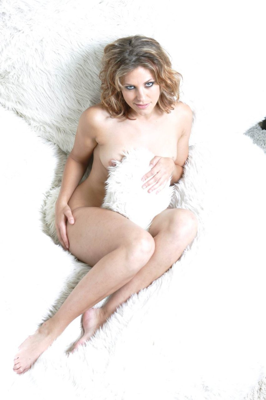Jenna Lewis Tits 01 TheFappening.nu