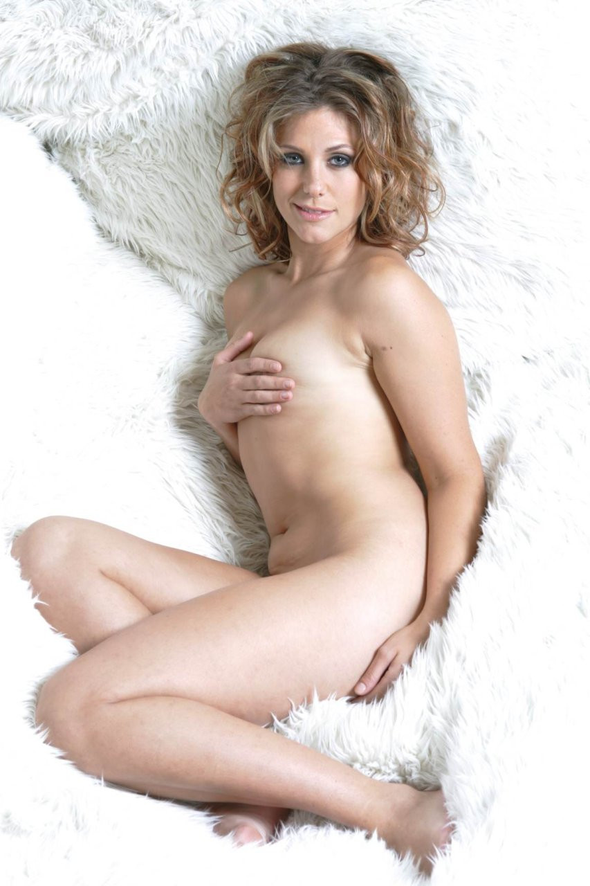 Jenna Lewis Tits 07 TheFappening.nu