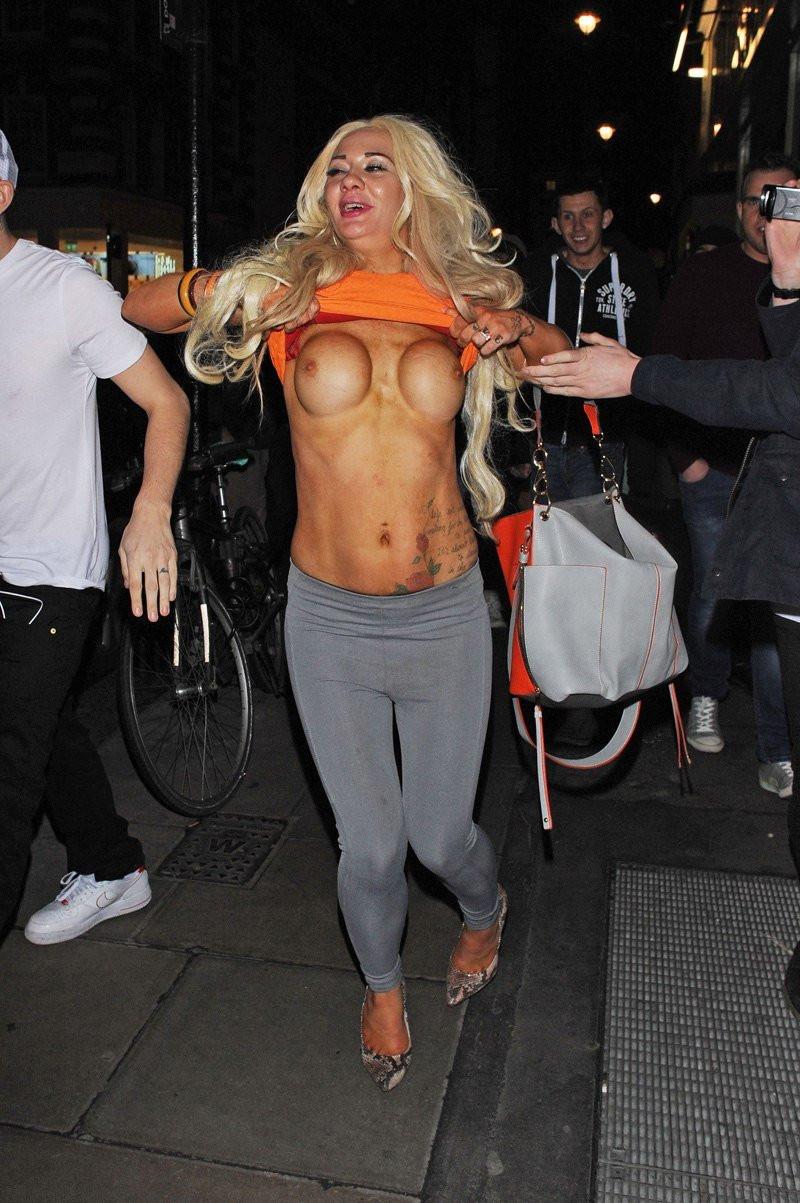 Josie Cunningham Topless 02 TheFappening.nu