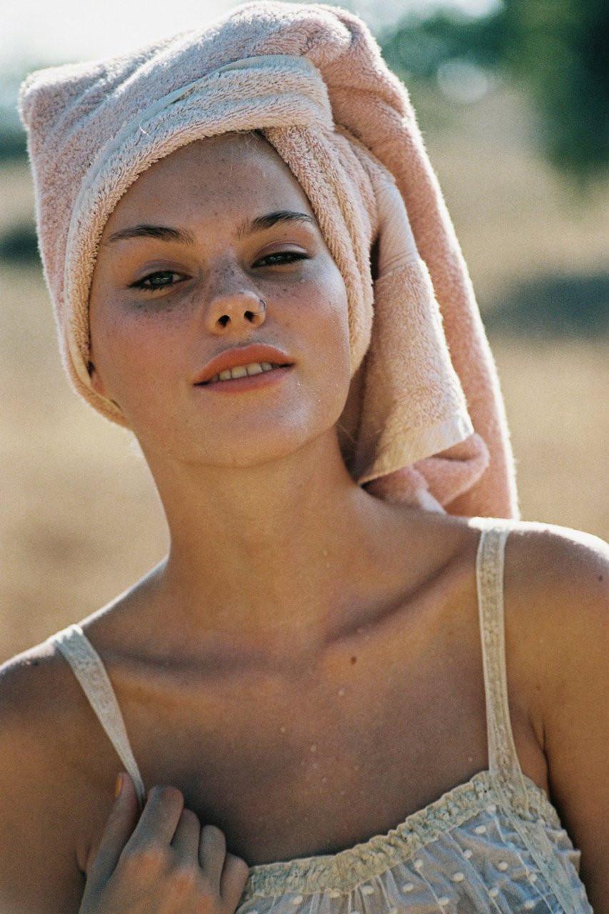 Julia Almendra Naked 16 TheFappening.nu