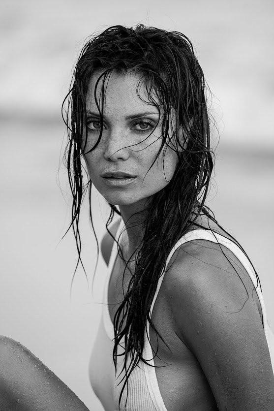 Julia Pereira in Wet T Shirt 05 TheFappening.nu