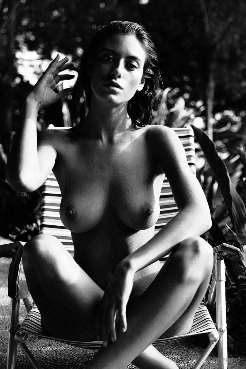 Alejandra Guilmant Naked 02 TheFappening.nu