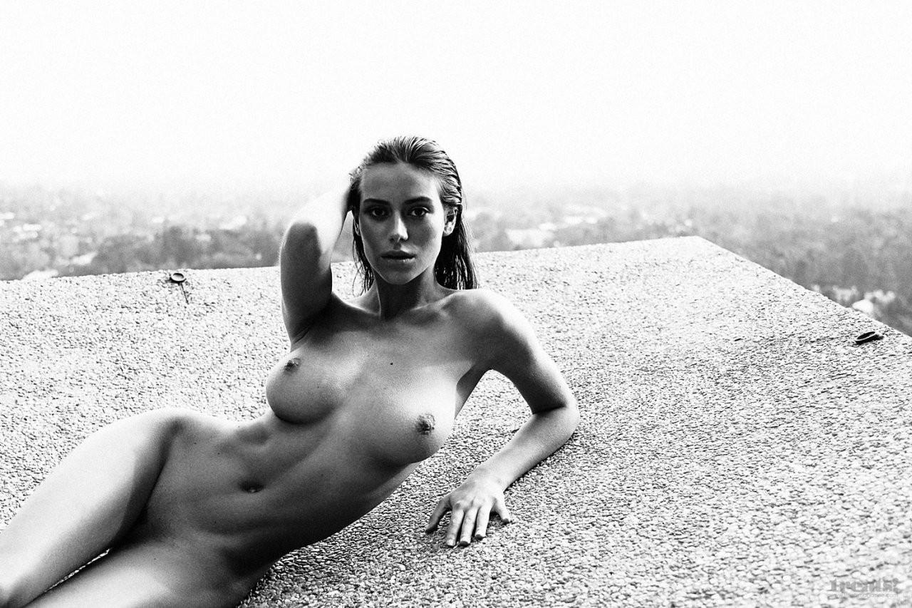Alejandra Guilmant Naked 03 TheFappening.nu