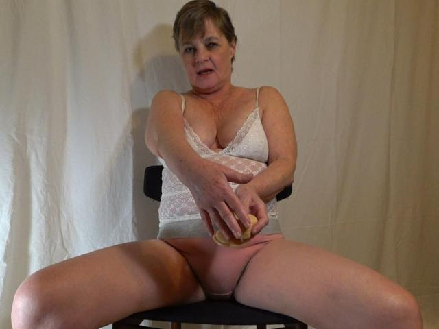 CougarBabeJolee - Making Fun Of Your Tiny Penis