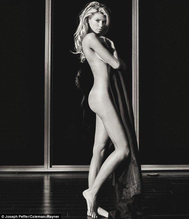 Charlotte McKinney Naked 18 TheFappening.nu