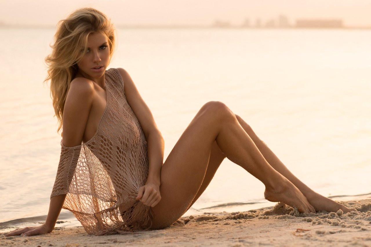 Charlotte McKinney Naked 36 TheFappening.nu