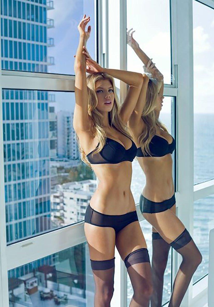 Charlotte McKinney Naked 41 TheFappening.nu