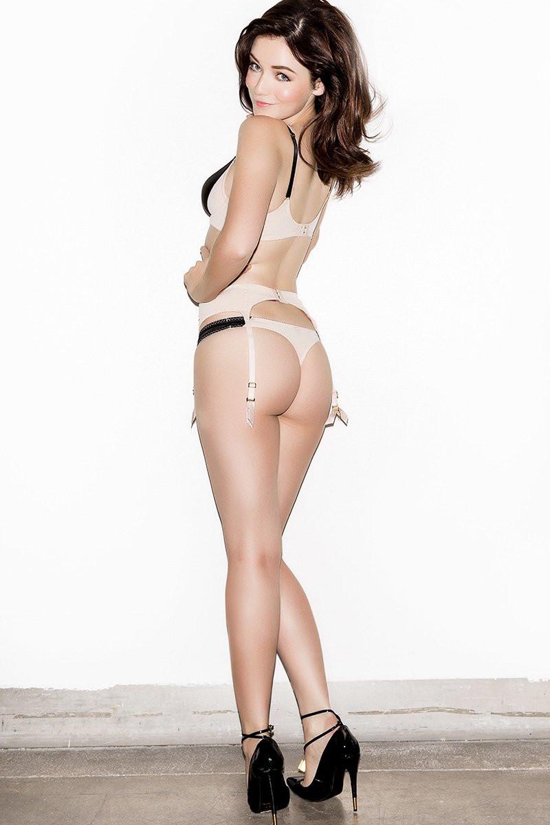 Sarah Bolger Topless 03 TheFappening.nu