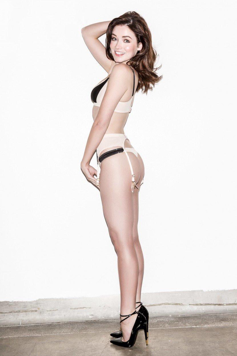 Sarah Bolger Topless 04 TheFappening.nu