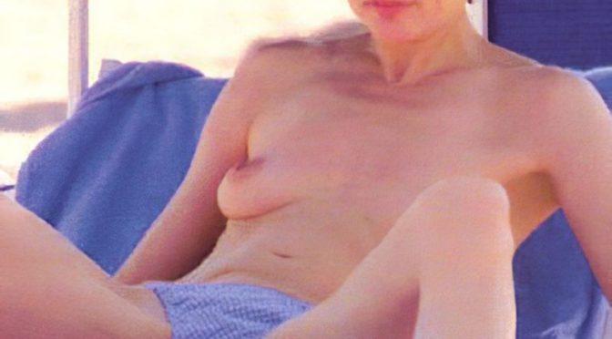 Naked Geena Davis Showing Her Bush and Boobies – Retro Celebrity XXX