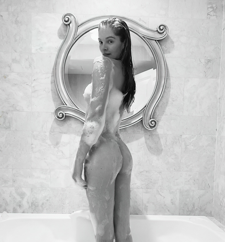Alexina Graham Nude fappenings.com 1