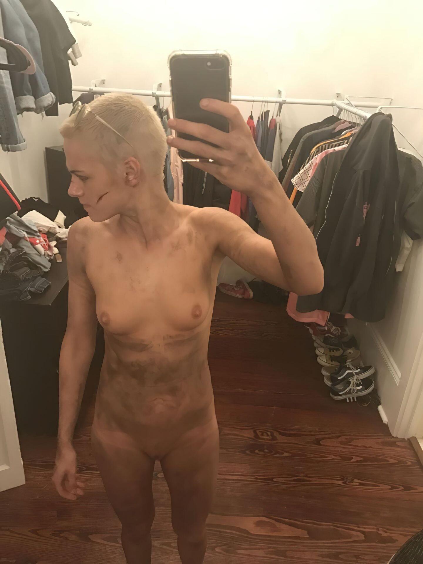 Kristen Stewart Nude Leaked 144 fappenings.com