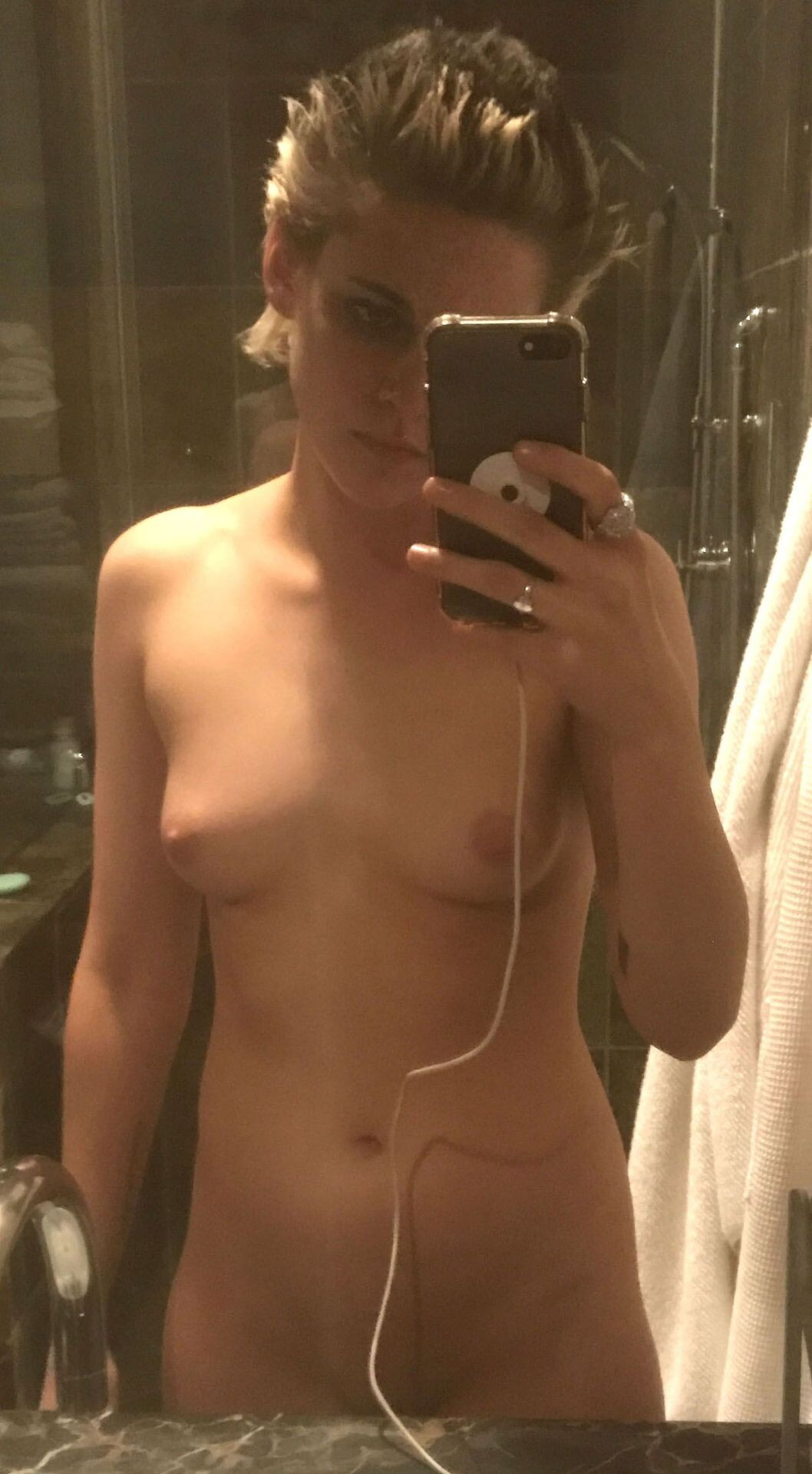Kristen Stewart Nude Leaked 157 fappenings.com