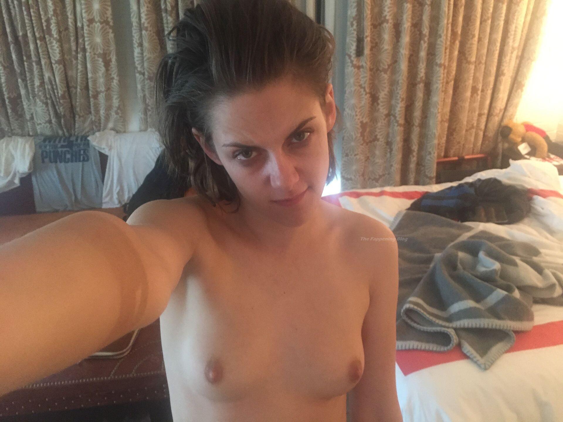 Kristen Stewart Nude Leaked 24 fappenings.com1