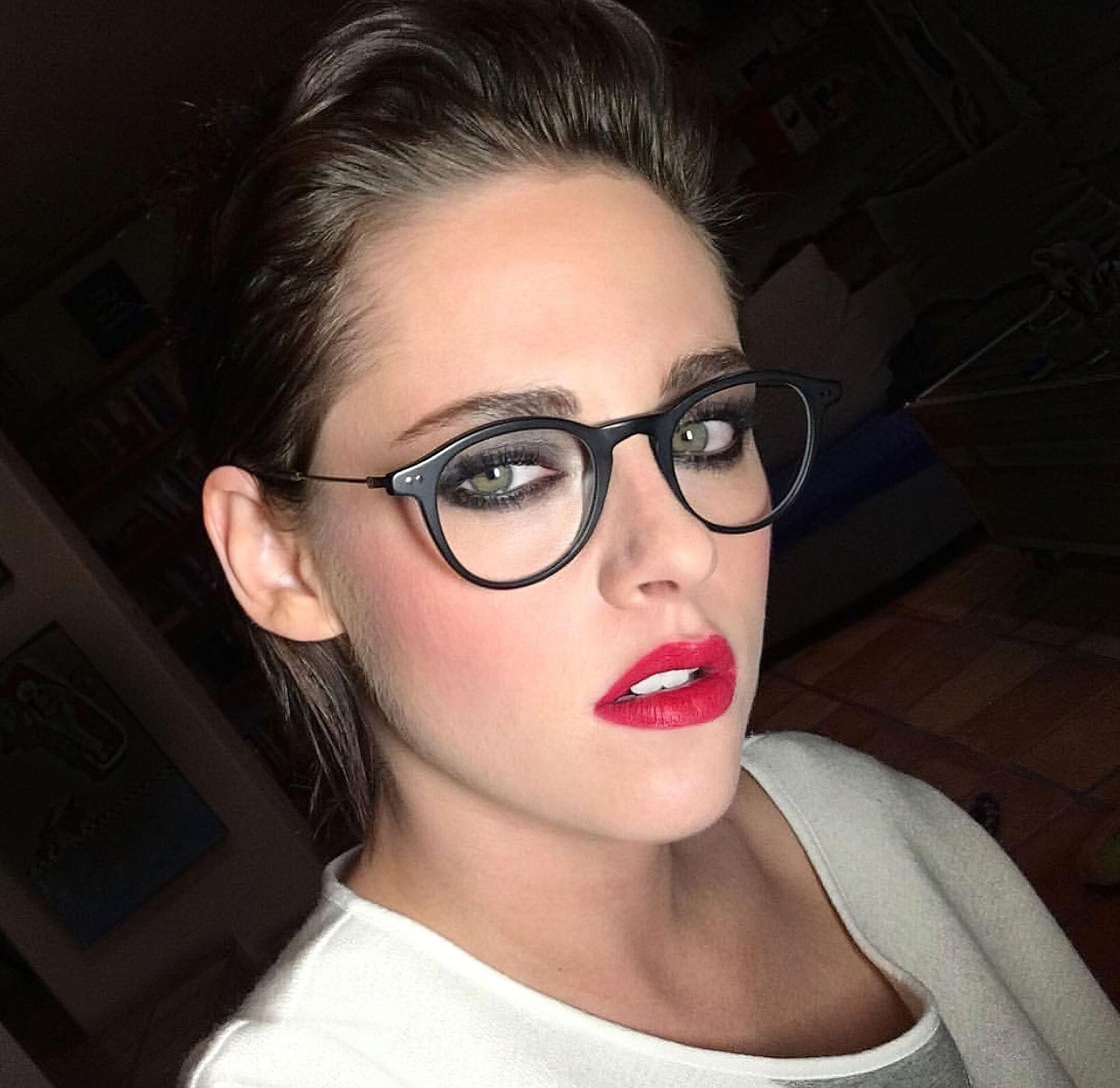 Kristen Stewart Nude Leaked 33 fappenings.com