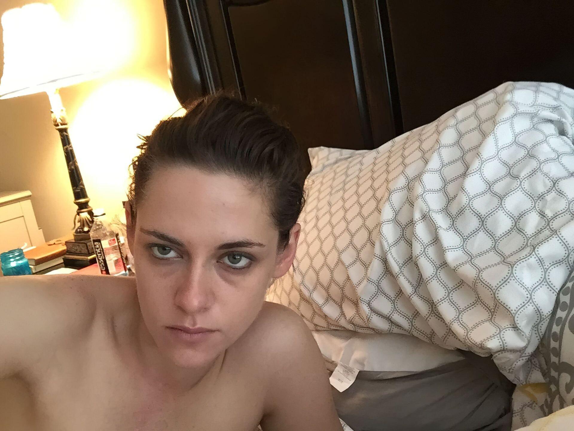 Kristen Stewart Nude Leaked 49 fappenings.com