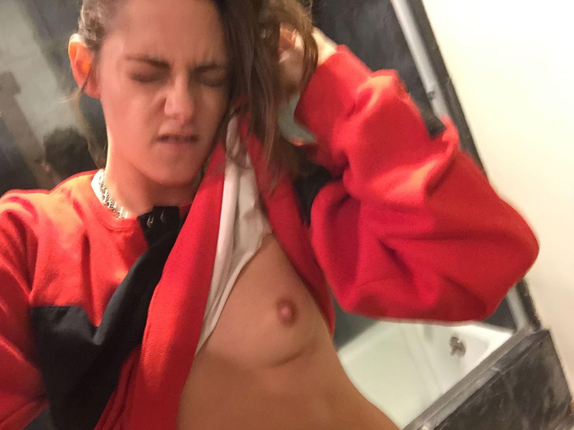 Kristen Stewart Nude Leaked 60 fappenings.com