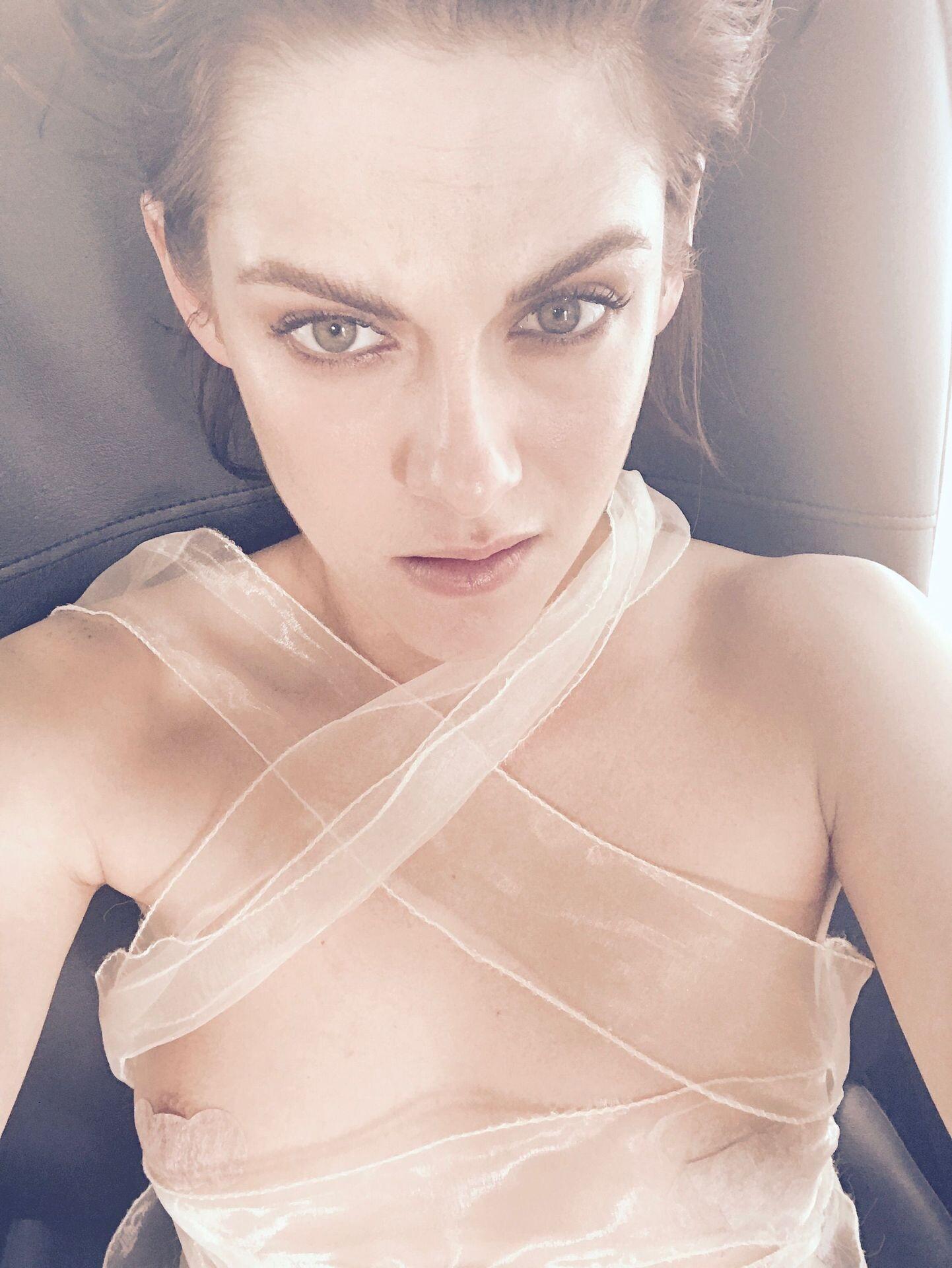 Kristen Stewart Nude Leaked 74 fappenings.com