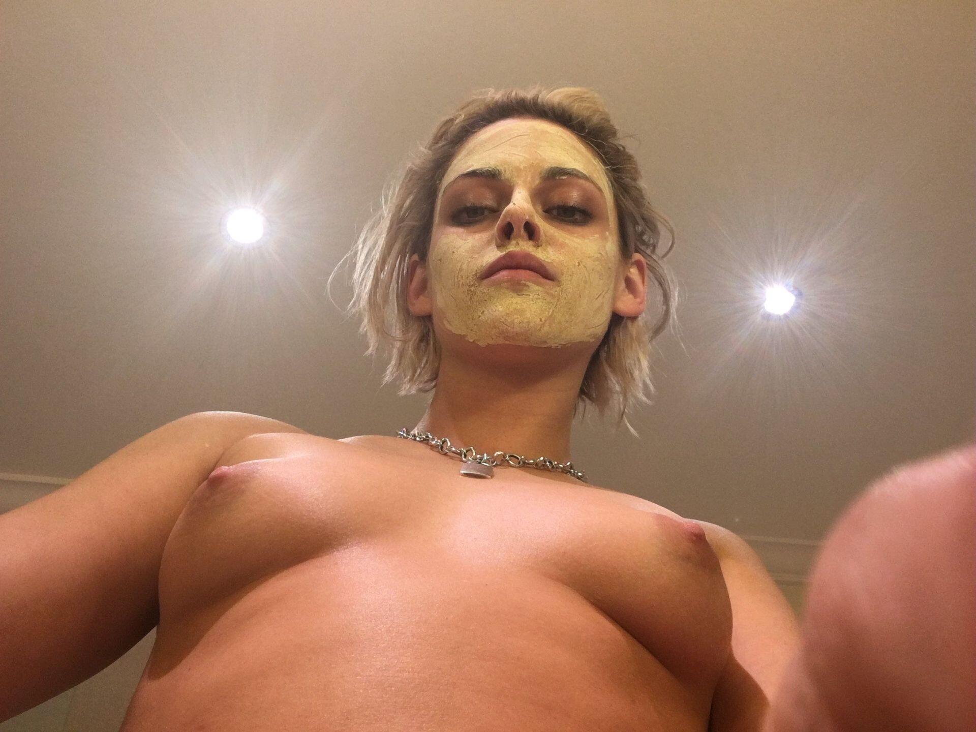 Kristen Stewart Nude Leaked 76 fappenings.com