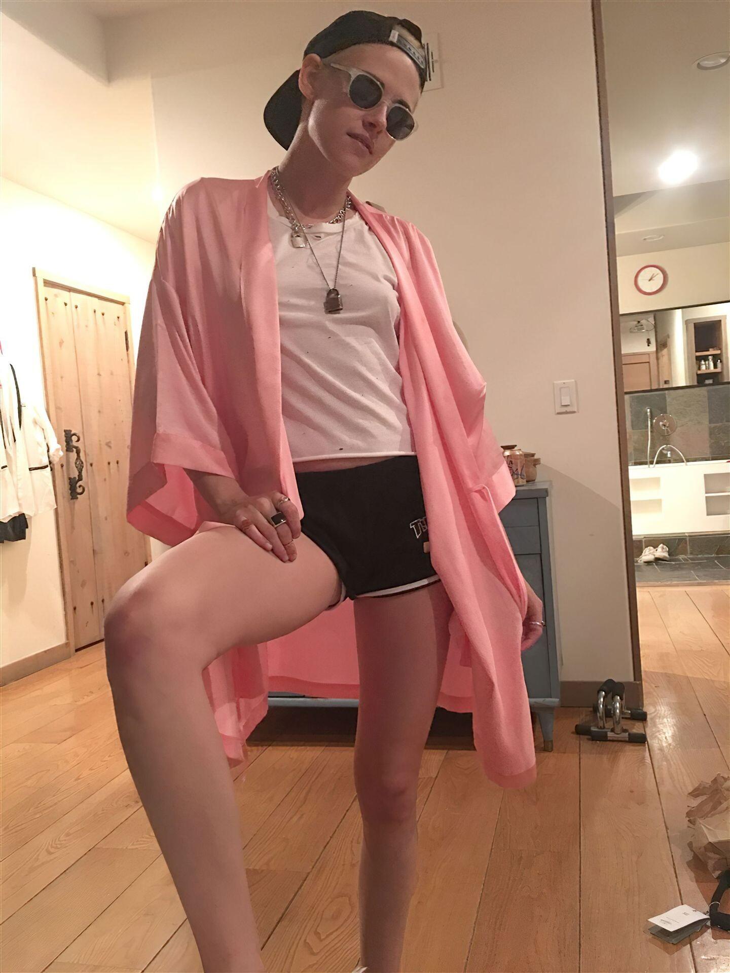 Kristen Stewart Nude Leaked 86 fappenings.com