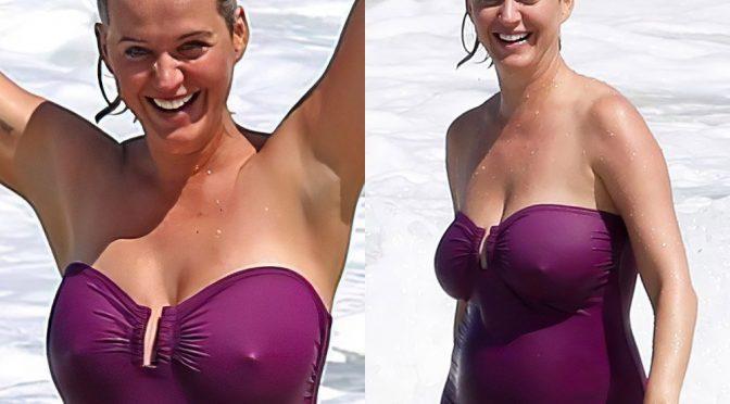 Katy Perry Flaunts Her Huge MILF Boobs