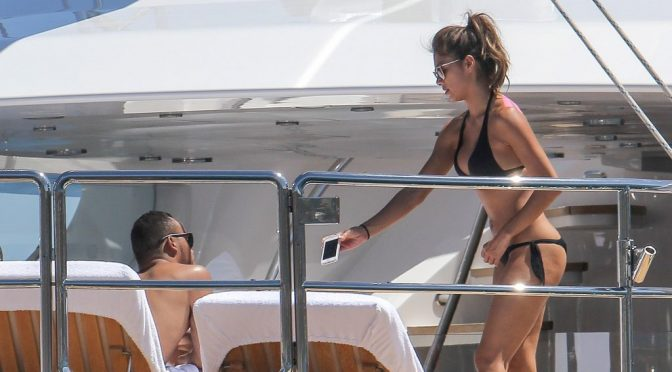 Almost 20 Nicole Scherzinger Bikini Pictures to Make You Cum Hard