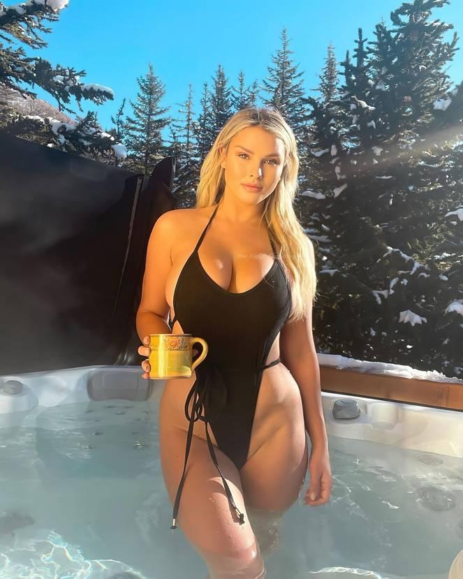 Kinsey Wolanski Nude Sexy 1