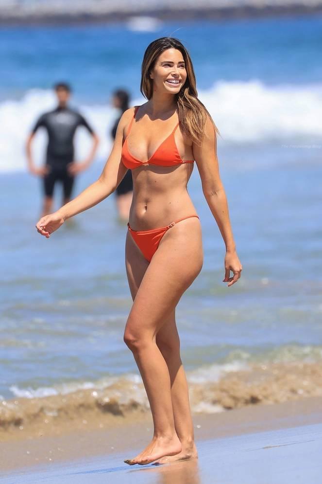 Jennifer Lahmers Sexy on Beach Bikini 5