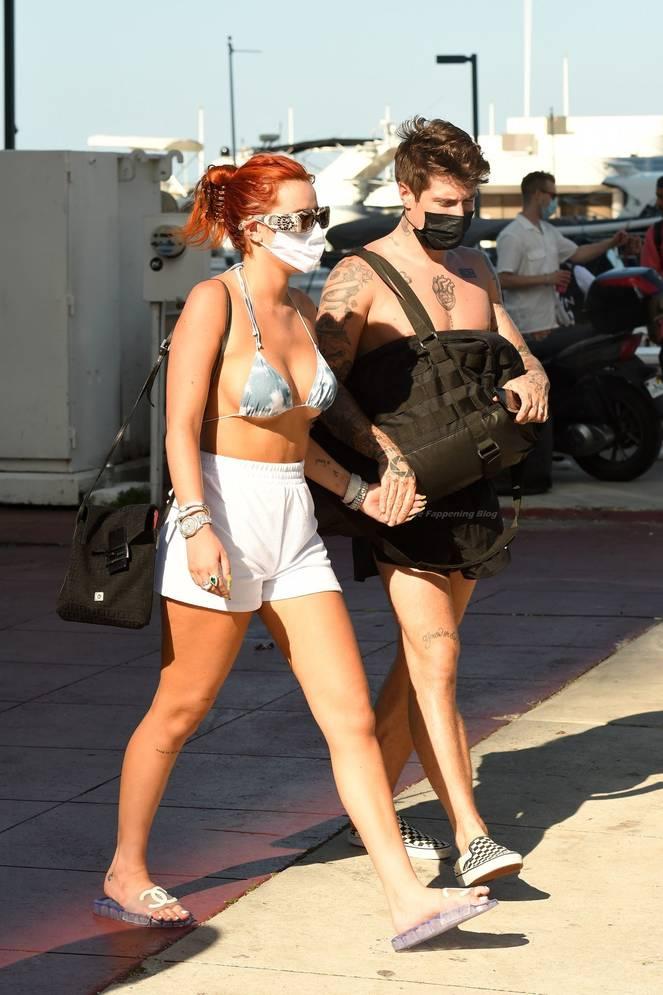 Bella Thorne Bikini 6