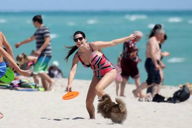 Sonia Amoruso on Beach 7