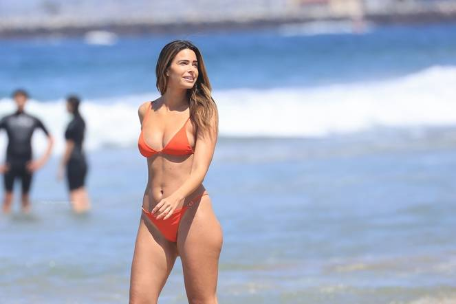 Jennifer Lahmers Sexy on Beach Bikini 7