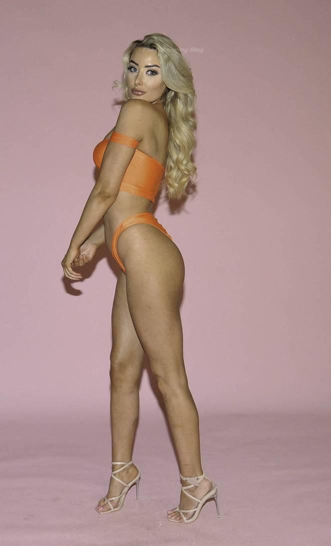 Chloe Crowhurst Sexy 8