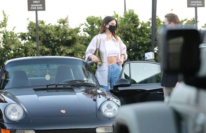 Kendall Jenner Braless 8
