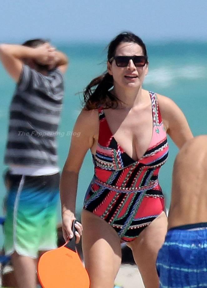 Sonia Amoruso on Beach 13