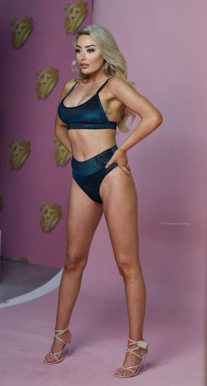 Chloe Crowhurst Sexy 13